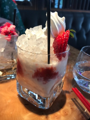 strawbs and cream cocktail tattu